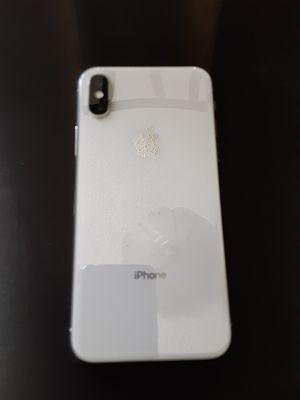 iPhone X *ICLOUD LOCKED* with accessories PICK UP ONLY. for Sale in San Bernardino, CA