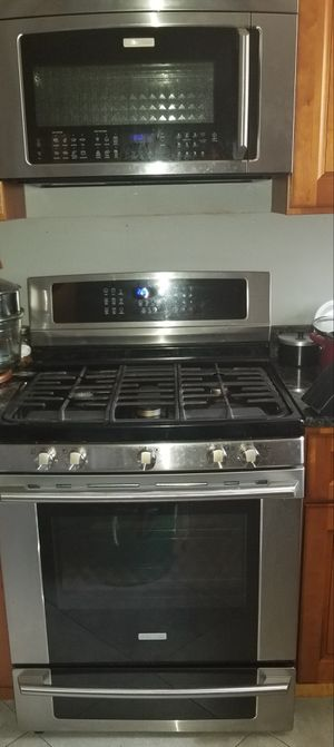 Kitchen appliance set... price is negotiable. for Sale in Florissant, MO