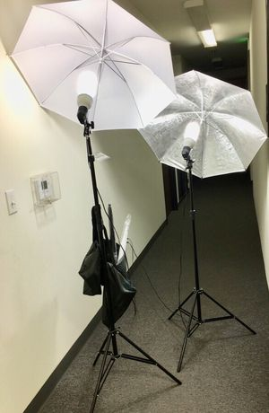Brand new 2 stands with bulbs 4 umbrellas photo photography studio fluorescent lights height adjustable stand kit for Sale in Baldwin Park, CA