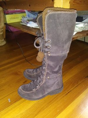 Timberland girls/kids youth size 1.5 beautiful brown suede gently used. for Sale in Greenwich, CT