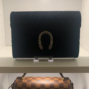 Gucci Velvet Dionysus Mini Chain Wallet for Sale in Chino Hills, CA