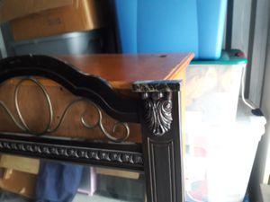 Dresser mirror for Sale in Orlando, FL