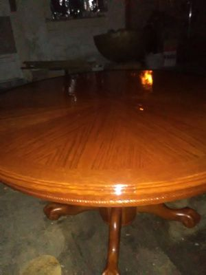 Antique claw foot table for Sale in Hattiesburg, MS