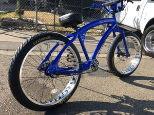 "26"" Cruiser with 26"" wheels 3"" wide 3 speed for Sale in Galt, CA"