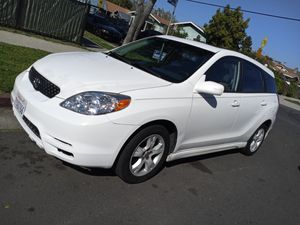 2003 toyota matrix Clean tittle for Sale in Los Angeles, CA