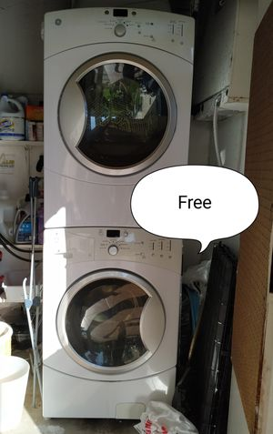 Pending Pick up.Free GE washer and gas dryer for Sale in San Marcos, CA