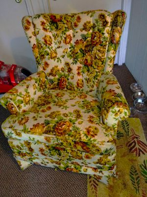 FREE Ugly Yet Comfy Vintage Floral Rocking Wing Back for Sale in Tacoma, WA