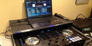 Solo $20 si quieres grabar tu musica favorita a tu tableta telefono I laptop I el programa del DJ for Sale in Chicago, IL