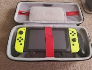 Yellow joy con extra set with Nintendo switch & 7 games (20 total if interested) for Sale in Gainesville, VA