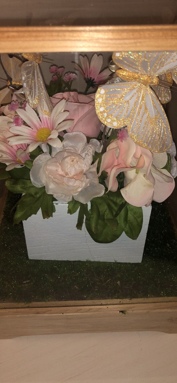 Flower and butterfly decoration Box
