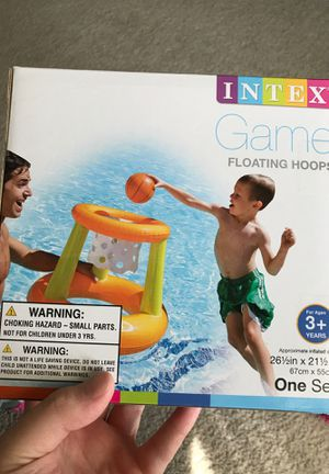 NEW INTEX INFLATABLE POOL BASKETBALL GAME HOOP AND BALL for Sale in Mohawk, TN
