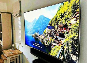 FREE Smart TV - LG for Sale in Illiopolis,  IL