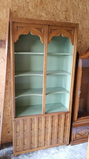 6'ft x 4'ft solid wood book shelf & cabinet. for Sale in Grants Pass, OR