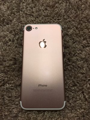 Rose Gold iPhone 7 for Sale in Puyallup, WA