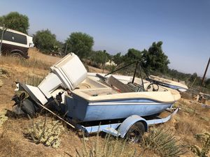 78 Chrysler Boat and Trailer for Sale in Canyon Lake, CA