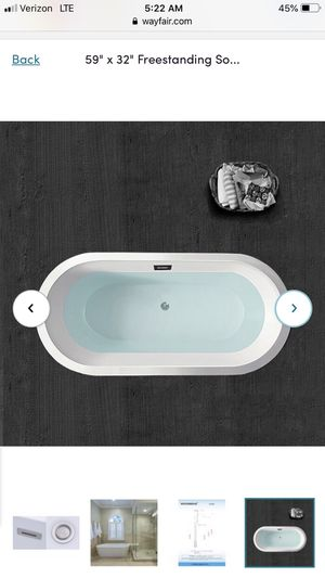 Woodbridge self standing tub for Sale in Valrico, FL