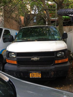 2006 Chevy Express 163K for Sale in Brooklyn, NY
