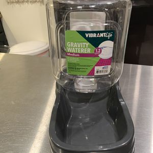 Pet Waterer Bowl Dog 1.2 ga for Sale in Torrance, CA