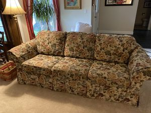 Floral Flexsteel sofa and love seat for Sale in Bountiful, UT