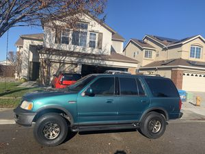 1997 Ford Expedition Eddie Bauer for Sale in Tracy, CA