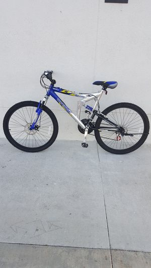 MONGOOSE BIKE SIZE 26 for Sale in Fountain Valley, CA