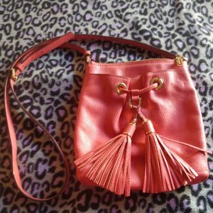 Michael Kors Crossbody Purse Color 🌺 for Sale in Renton, WA