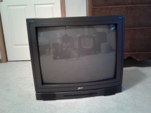 Cable Compatible 26 inch Zenith Tv. (FREE) for Sale in Heath, OH