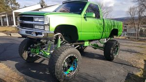 Custom lifted chevy for Sale in Berwick, PA