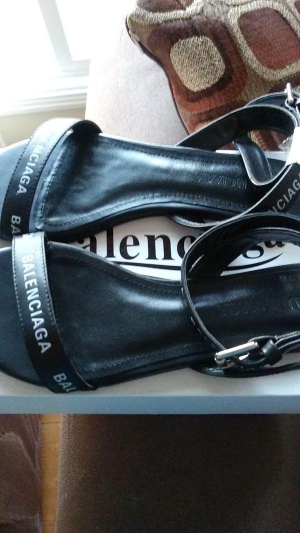 Balenciaga black strap sandals size 39