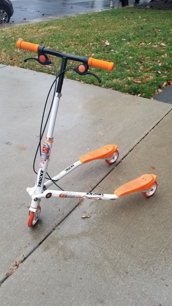 Trikke T5 Carving Scooter