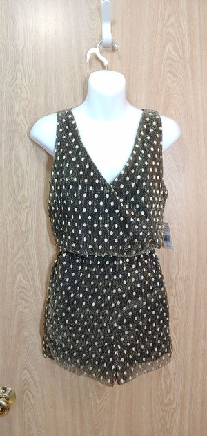 L-NWT black & gold shimmer surplice romper w/a stretchy elastic waist for Sale in Kent, WA