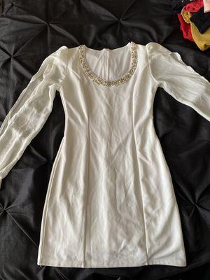 White Dress for Sale in San Tan Valley, AZ