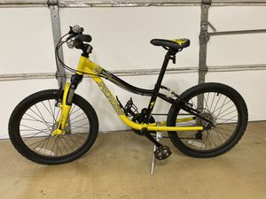 Specialized child's bike with Shimano for Sale in Colleyville, TX