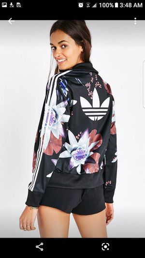 Adidas originals floral tracksuit set for Sale in South Gate, CA