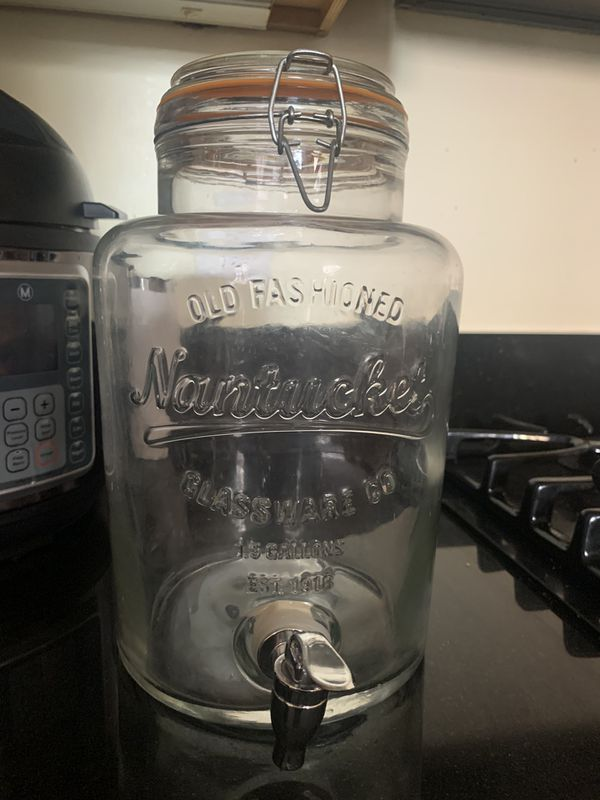 Mason jar water dispenser