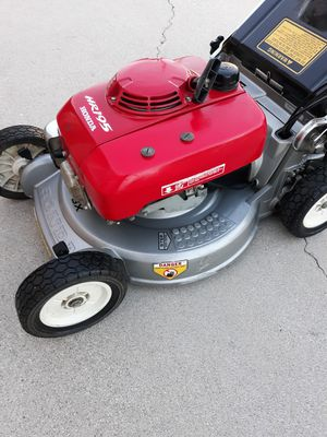 Honda hr195 commercial lawn mower for Sale in Long Beach, CA