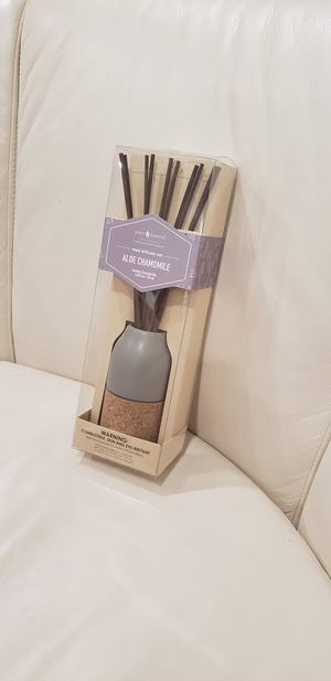 Pure Natural Chesapeake bay candle reed diffuser set Aloe chamomile Contains essential oils Contemporary reed holder gray + cork 4.05 fl oz / 120 ml for Sale in Ontario, CA