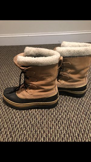 Sorel men's size 10 snow boots for Sale in Fairfax Station, VA