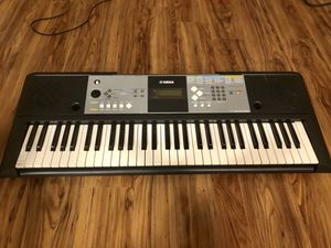 Yamaha PSR E233 electric piano for Sale in Seattle, WA