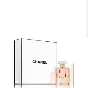Chanel Eau Perfume mademoiselle 3.4 for Sale in Beverly Hills, CA