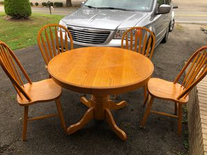 Kitchen table for Sale in Clairton, PA