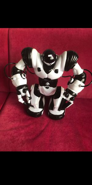 WowWee Robot-Robosapien (with remote) for Sale in Falls Church, VA