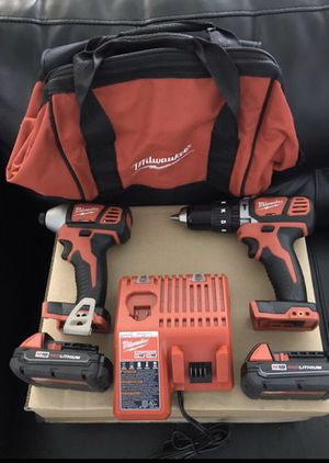 Milwaukee M18 impact driver and hammer drill combo kit for Sale in Hurst, TX