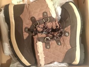 Kids winter boots mint condition for Sale in Miami, FL