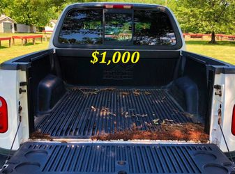 🟢💲1,OOO I'm selling URGENT this Beautiful💚2OO2 Ford F15O nice Family truck XLT Everything is working great! Runs great and fun to drive💪🟢 for Sale in Cleveland,  OH