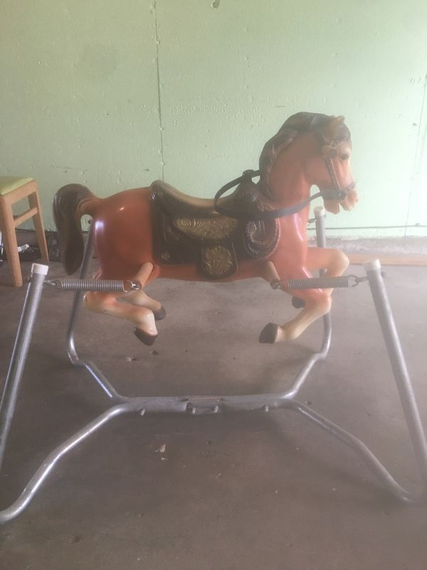 Bouncing horse toy