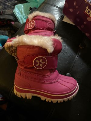 Size Toddler 5/6 snow boots pink girl for Sale in Torrance, CA
