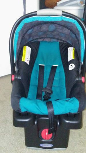Graco Baby Car seat with Base for Sale in High Point, NC