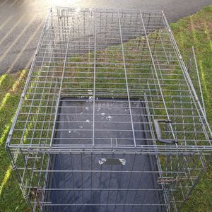 XL. dog carrier cage size 42 ins long and 28 ins wide by 31 ins High for Sale in Lake Stevens, WA
