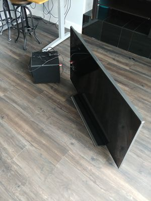 SAMSUNG TV WITH SUBWOOFER for Sale in Kent, WA